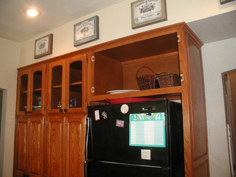 Kitchen Wall Cabinet Lower Glass W Wood Above