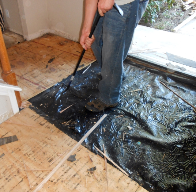 removing_wooden_floor