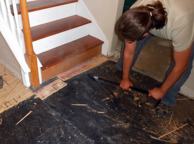 removing_wooden_floor2