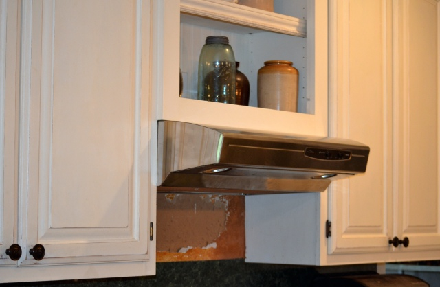 stainless_steel_stove_vent_hood