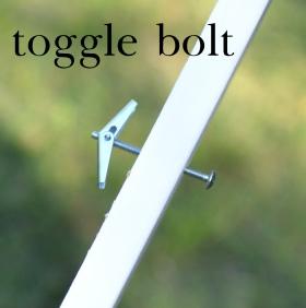 toggle_bolt