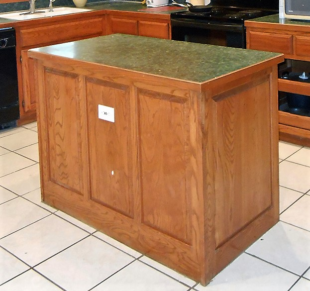 kitchen_island_beore_back